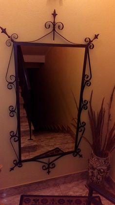 Grande specchio in ferro battuto