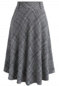 - Check and houndstooth pattern - Side pockets - Concealed side zip closure - Lined - Wool, Viscose - Hand wash cold Size(cm)Length Waist XS 74 64 S 74 68 M 75 72 L 75 76 XL 75 80 Size(inch)Length Waist XS 29 25 S 29 M 28 L XL . Quilted Skirt, Houndstooth Skirt, Tan Skirt, Unique Fashion, Womens Fashion, Led Dress, Velvet Skirt, Skirt Outfits, A Line Skirts