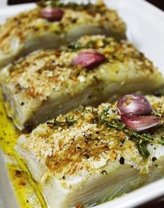 Bacalhau Assado em Crosta Crocante de Pão | Blog Figos & Funghis Cod Recipes, Fish Recipes, Vegetable Recipes, Seafood Recipes, Cooking Recipes, Healthy Recipes, Fish Dishes, Seafood Dishes, Bacalhau Recipes