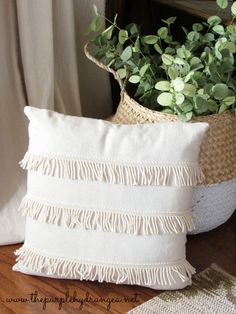 Drop Cloths- My Home Decor Hero - The Purple Hydrangea : Drop cloths are not just for throwing down underneath those paint projects. In fact, they are the unsung heroes of the home decor world. How To Make Pillows, Diy Pillows, Decorative Pillows, Throw Pillows, Cushions, Home Decor Kitchen, Diy Home Decor, Room Decor, Pillow Inspiration