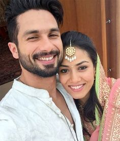 Newly wed smiles are the best. Happy married life Mr and Mrs Kapoor!