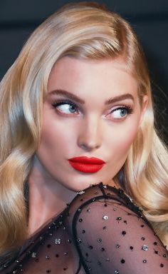 Elsa Hosk 2018 Vanity Fair Oscar Party – Moa Emilsson – Willkommen in der Welt der Frauen Blonde Beauty, Hair Beauty, 90s Grunge Hair, Brown Blonde Hair, Hair Color Dark, Hairstyles With Bangs, Beautiful Eyes, Makeup Looks, Hair Makeup