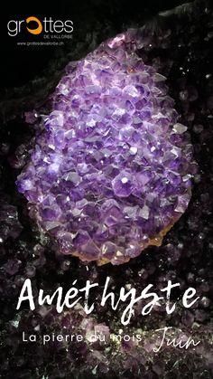 Venez visiter notre blog sur le minéral améthyste. Une pierre magnifique qui lutterait contre la geule de bois.