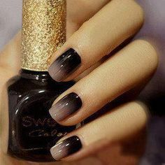 Love this fade to black nail design, so elegant.