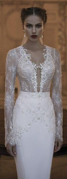Berta Wedding Dress Collection Winter 2014 magnifique haut dentelle! eyes on les découpes de la jupe