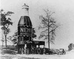 """Les constructions insolites de l'architecture """"canard"""" The Bottle 1924 Auburn (Al) brulée en 1936"""