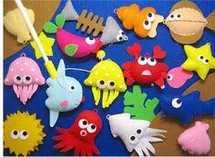 Tons of felt patterns Fabric Animals, Felt Animals, Fabric Crafts, Sewing Crafts, Felt Fish, Sea Crafts, Lilo Stitch, Felt Material, Felt Quiet Books