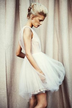 whites and tutu All White Outfit, White Outfits, Look Fashion, Fashion Beauty, Dress Fashion, Mode Lookbook, Mein Style, Dress Vestidos, Before Wedding