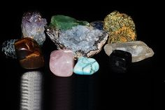 Does It Matter If We Use Raw or Polished Stones and Crystals in Reiki Sessions?