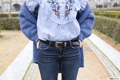 ♥ Floral embroidered shirt | bohochic and folk - country style outfit | Zara floral embroidered shirt and cozy denim blue cardigan | ♥ Look boho y de estilo country - folk | camisa con bordado floral y chaqueta de punto en azul | Maikshine blog | www.maikshine.com