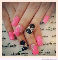 Botanic nails pink, black, bows