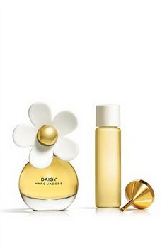 Daisy Purse Spray oz from Marc Jacobs. Shop more products from Marc Jacobs on Wanelo. Marc Jacobs Geldbörse, Parfum Marc Jacobs, Marc Jacobs Daisy Perfume, Perfume Collection, Parfum Spray, Sprays, Grapefruit, Polyvore, Perfume Bottles