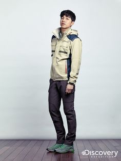 Discovery Expedition has unveiled its Fall 2014 style book featuring longtime model Gong Yoo! After seeing him in these shots, we'll be fantasizing about running into him on a hiking trail ;)…