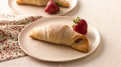 Enjoy that summer strawberry flavor all year 'round with these caramel strawberry crescents that use frozen strawberries for ease and convenience.