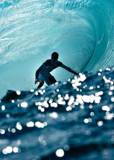 Be a sea lover   #surfing   http://www.blueprinteyewear.com/