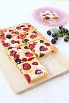 Gyümölcsös joghurtos pite