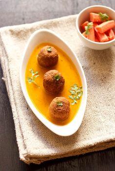 lauki kofta recipe : a light tomato based curry dunked with koftas made from bottle gourd.  #kofta #bottlegourd