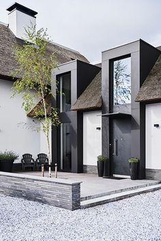 Ideas Exterior Doors Modern Design For 2019 Modern Exterior Doors, Exterior Design, Architecture Details, Villas, Future House, Building A House, Building Ideas, Beautiful Homes, New Homes