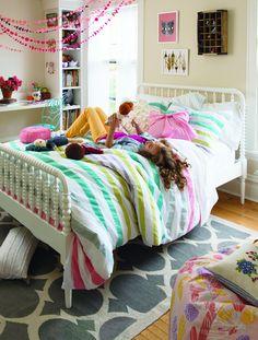 tween girls bedroom. mix of bold & pastels.