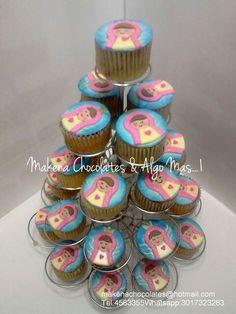 Hermosos cupcakes virgen niña, para el bautizo de Isabela  Makenachocolates@hotmail.com  Tel 4563355 Whatsapp 3017323283