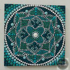 Quadro mandala by Thincia da Pontos em Cores www.facebook.com/Pontos.em.Cores/