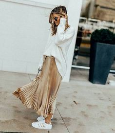 metallic pleated skirt // Adidas superstars // slouchy sweater or tee tucked in Fashion Moda, Look Fashion, Winter Fashion, Classy Fashion, Ladies Fashion, Men Fashion, Spring Fashion, Maxi Skirt Outfits, Winter Skirt Outfit