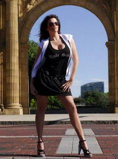 Dana Hamm in Beautiful Trendy Woman Model Photoshoot Session