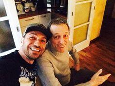 #CostantinoVitagliano Costantino Vitagliano: Ancora non è morto ahahahah @giulianomasi51 #amicizia #casamasi #masi #friend #selfie #smile #sunday #bologna #costantino #siviveunavoltasola