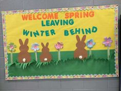 15 March Bulletin Board Ideas for Spring Classroom decoration - Hike n Dip Say goodbye to winters and decorate your bulletin board with these March Bulletin Board Ideas. Explore easy Spring Bulletin Board ideas for preschool & Easter Bulletin Boards, Spring Bulletin Boards, Library Bulletin Boards, Preschool Bulletin Boards, Bullentin Boards, April Bulletin Board Ideas, April Preschool, Preschool Activities, Halloween Activities