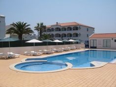 If you want to discover Vila Nova de Milfontes, than stay at Hotel Eira da Pedra, one of the best hotels in Alentejo.