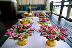 Incorporate the beauty of Buddhist traditions into your wedding at Dewey Seasons Resort Koh Samui, Thailand. Laos Wedding, Buddhist Wedding, Thailand Wedding, Hotel Flower Arrangements, Flower Garlands, Hotel Flowers, Oriental Wedding, Wedding Reception Table Decorations, Marriage Decoration
