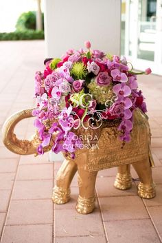 10 Awesome, Creative and Memorable Wedding Guest Book Ideas Bollywood Party Decorations, Wedding Aisle Decorations, Ramadan Decorations, Royal Purple Wedding, Floral Wedding, Sapphire Wedding, Trendy Wedding, Rose Wedding, Wedding Rings