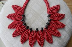 macrame leaf necklace