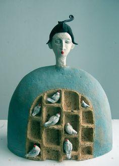 Unknown artist or sculpture description. Ceramic Birds, Ceramic Clay, Ceramic Pottery, Pottery Art, Pottery Studio, Pottery Sculpture, Sculpture Clay, Ceramic Sculpture Figurative, Cerámica Ideas