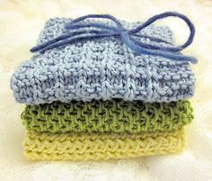Ravelry: Spa Cloths pattern by Karen Simmons.  3 free patterns.