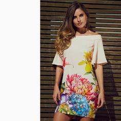 Um 'dress' incrível que toda a 'fashion girl' deve ter no closet!😍😍😍  #reginasalomao #SummerVibesRS #SS17
