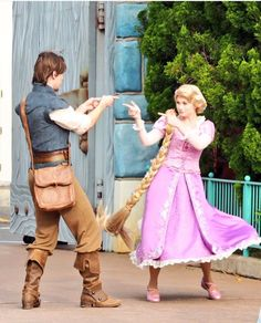 -music from 'return of quiad' plays softly in the. - she looked lovely in the firelight. Disney Tangled, Disney Magic, Disney Art, Walt Disney World, Tangled Cosplay, Disney Cosplay, Jack Frost, Rapunzel And Eugene, Disney Princess Pictures