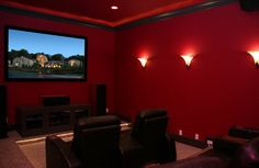 Imagen de http://www.wejen.com/wp-content/uploads/2015/08/Red-Colored-Home-Theater-Walls-Painting.jpg.