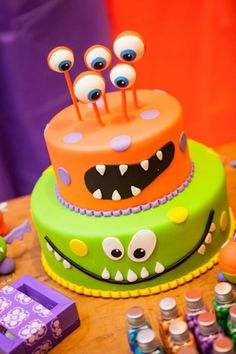 Funny Monster Party Ideas for Your Kids Party Best Pictures) Monster Birthday Cakes, Monster 1st Birthdays, Monster Birthday Parties, 1st Boy Birthday, 3rd Birthday Parties, First Birthdays, Birthday Ideas, Monster Party Favors, Monster Cakes