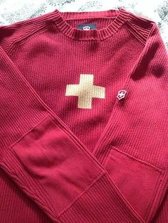 Victorinox Red Swiss Cross Ski Sweater XL Swiss Ski, Ski Sweater, Skiing, Polo Ralph Lauren, Fashion Outfits, Sweaters, Mens Tops, How To Wear, Stuff To Buy
