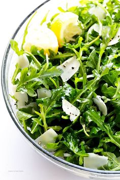 5-Ingredient Arugula Salad with Parmesan, Lemon and Olive Oil -- super easy, and always so fresh and tasty! | http://gimmesomeoven.com