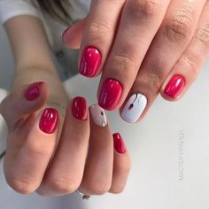 Manicure diy short nails glitter 60 ideas for 2019 Red Nails, Glitter Nails, Hair And Nails, Manicure E Pedicure, Super Nails, Fabulous Nails, Flower Nails, Stylish Nails, Simple Nails