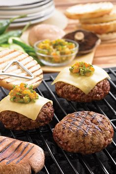 Lamb Burgers with Apricot-Pistachio Chutney recipe from Saputo. Side Recipes, Paleo Recipes, Real Food Recipes, Great Recipes, Yummy Food, Favorite Recipes, Summer Recipes, Saputo Cheese, Gouda
