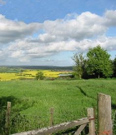 Another view of the Kent countryside, as it would be near Denby Lodge; this one of Great Engeham Farm Country Life, Country Roads, English Farmhouse, Holiday Accommodation, Places Of Interest, English Countryside, The Real World, Farm Life, Habitats