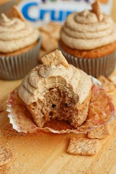 Cinnamon Toast Crunch Cupcakes could be perfect excuse to eat cake for breakfast. These delicious vanilla-cinnamon cupcakes are so full of yummy flavor Yummy Treats, Sweet Treats, Yummy Food, Food Cakes, Cupcake Cakes, Cupcake Ideas, Cool Cupcake Recipes, Baking Recipes Cupcakes, Diy Cupcake