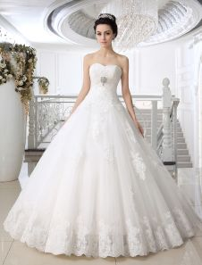 White Ball Gown Strapless Sweetheart Neck Lace Floor-Length Bridal Wedding Gown