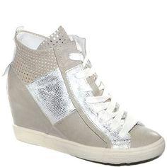 #Sneaker in pelle con zeppa interna.