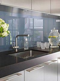beleuchtete k chenr ckwand weiss aus esg glas mit led beleuchtung k chenideen pinterest. Black Bedroom Furniture Sets. Home Design Ideas