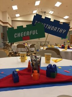 So my sweet sister – in – law Whitni called me a few weeks ago, she is in charge of the Blue and Gold Banquet for her cub scouts. And anyone who has worked with 8-11 year old boys know …