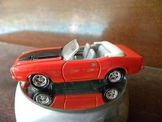 '73 FORD MUSTANG CONVERTIBLE  JOHNNY LIGHTNING CLASSIC CAR DIE-CAST COLLECTION